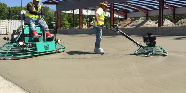 Averitt Express Sinclair Construction Mass Concrete Paving Finishing Machines (1)